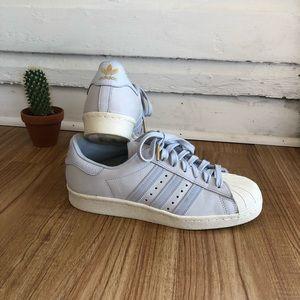 ADIDAS shell toe size 8 powder blue sneaker